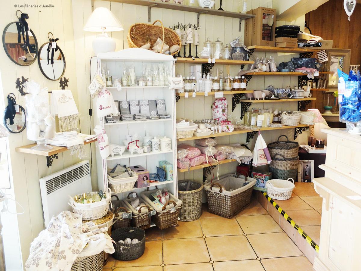 une trs jolie boutique de dcoration campagne chic o vous pourrez prendre plaisir discuter avec la trs sympathique laurence
