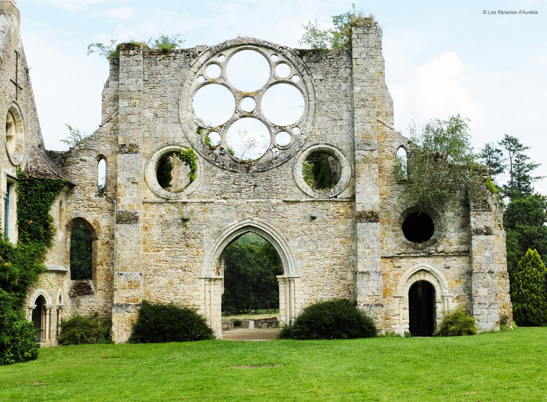 Blogdscf9528 for Abbaye des vaux de cernay piscine